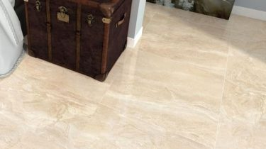 Kenia_Marfil_Large_Marble_Effect_Cream_Floor_Tiles_with_Old_Chest_grande