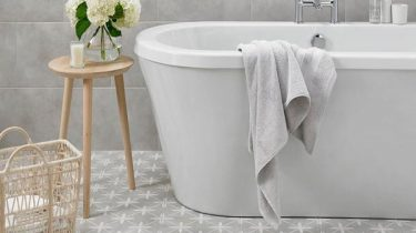 Sofia_Grey_Floor_Tile_with_Modern_Free_Standing_Bath_grande